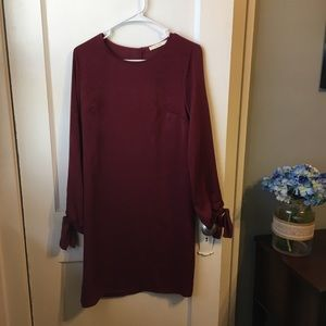 Dresses & Skirts - Silky Burgundy dress with tie sleeves